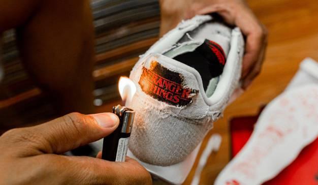 dormir Besugo Aprendiz  Nike anima a los consumidores a quemar sus nuevas zapatillas para descubrir  un mensaje oculto de