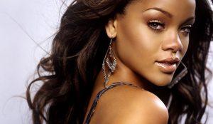 De cómo Rihanna ha convertido su marca en todo un imperio de la moda y la belleza