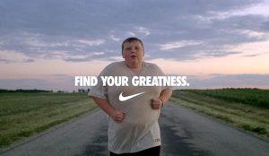 Una pequeña agencia se ríe de Nike parodiando uno de sus anuncios