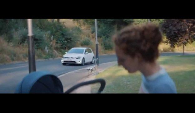 Los anuncios sexistas de Volkswagen y Philadelphia, prohibidos en Reino Unido