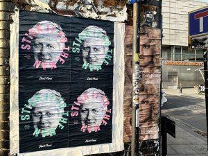 Una campaña publicitaria en Londres invita a pegar chicles en la cara de Boris Johnson