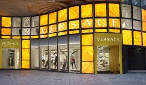 Versace y otras marcas de lujo occidentales enfadan (y mucho) a China