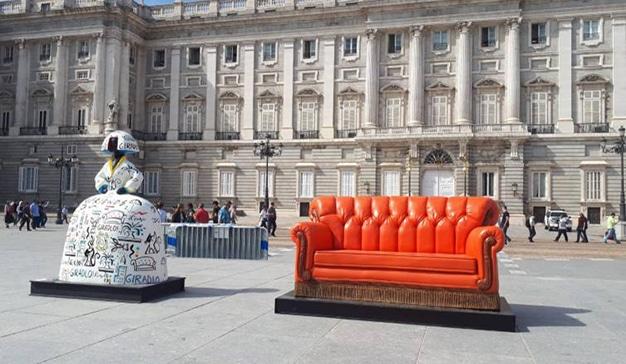 El famoso y emblemático sillón de Friends llega a Madrid
