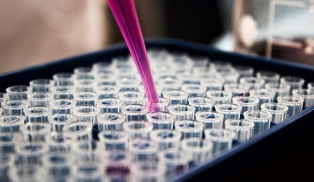 ICEMD presenta el estudio FarmaTech: La transformación digital en el sector farmaceútico