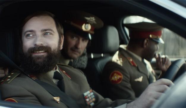 Al volante de un Volkswagen los protagonistas de esta campaña se comportan como estrellas de cine