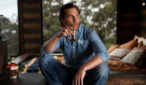 El primer trabajo de Matthew McConaughey como director creativo: una cabaña silvestre