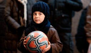 LaLiga invita a los aficionados al fútbol a no olvidar a los que más lo necesitan esta Navidad