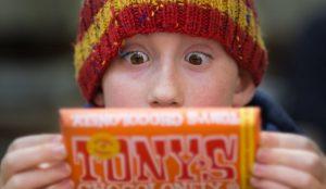 Una publicidad no regulada influye en la pésima alimentación de los niños a nivel mundial