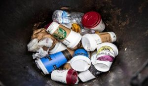 La guerra a los vasos de plástico es cada vez más una realidad