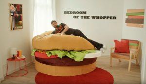 Dormir dentro de una Whopper durante un año será posible gracias a Burger King