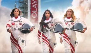 El nuevo spot de Olay para la Super Bowl manda a estas celebrities a una misión espacial