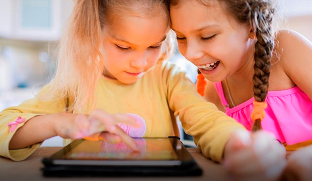 YouTube refuerza su protección infantil prohibiendo los anuncios personalizados