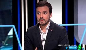 Alberto Garzón meterá mano a las casas de apuestas y a la comida basura por