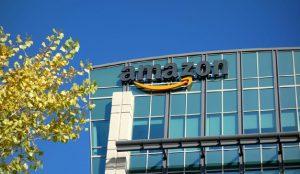Amazon está desarrollando terminales de pago que permiten vincular la tarjeta con la palma de la mano