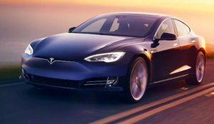 Los coches Tesla pronto serán capaces de hablar con los peatones
