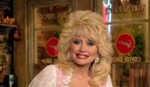 El Dolly Parton Challenge se extiende como la pólvora por las redes sociales