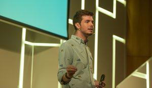 Un joven veinteañero crea una plataforma que conecta a grandes empresas con talento de la Generación Z