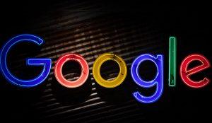 Nueva amenaza de Google tras eliminar 600 aplicaciones de su plataforma Google Play