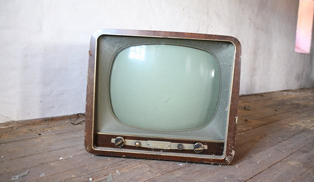 La televisión cae un 5,8% en inversión publicitaria y pasa, por primera vez, al segundo puesto, según InfoAdex