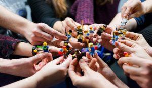 El Grupo LEGO y la Fundación LEGO apoyan a los niños y las familias afectadas por COVID-19