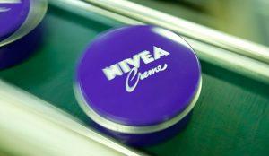 Nivea, Bacardí, L'Oréal, Pernod Ricard y otras compañías que fabricarán geles desinfectantes