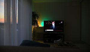 La televisión continuó siendo la preferida de los españoles en febrero con un consumo de más de 5 horas
