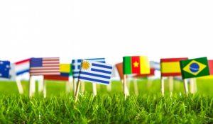 El coronavirus hace que las diferentes ideologías, banderas y fronteras se unan bajo el hashtag #UnitedBalconies