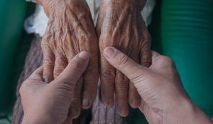 Los zaragozanos mayores de 65 recibirán su compra a domicilio de forma gratuita a través de Correos