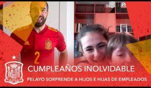 La Selección Española de Fútbol felicita el cumpleaños a los hijos de los empleados de Pelayo Seguros