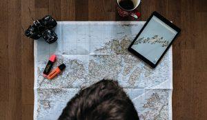 ¿Viajar en Semana Santa sin salir de casa? Esto es todo lo que puede hacer sin moverse del sofá