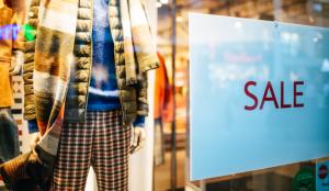 No hay rebajas para las tiendas físicas: otro golpe para el comercio tras la prohibición de esta estrategia de marketing