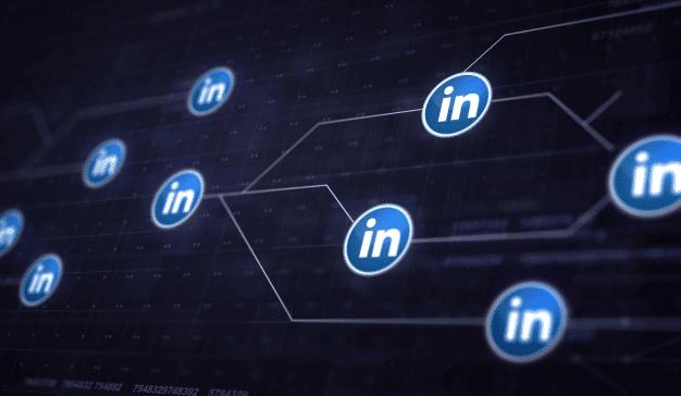 cuentas falsas en LinkedIn