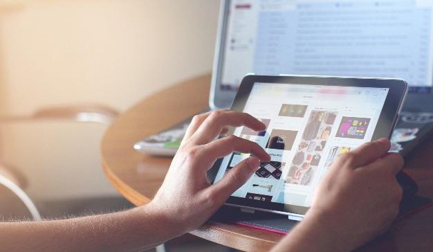 e-commerce nielsen