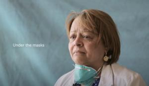 Este sobrecogedor spot muestra a los profesionales sanitarios después su batalla diaria contra el COVID-19