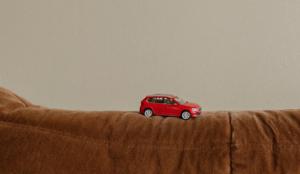 ŠKODA crea sus spots de la cuarentena con coches en miniatura