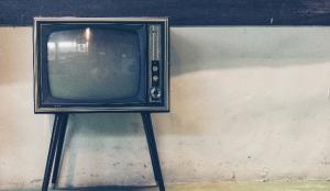 La televisión bate récords y Telecinco vuelve a liderar en el mes de abril