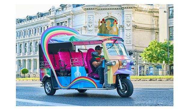 Burger King® España diseña sus carrozas para que atiendan el servicio a domicilio y desfilen por las principales calles de Madrid