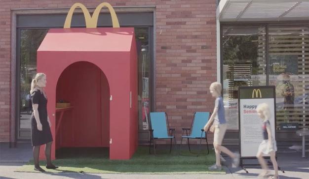 McDonald's lanza una campaña para que abuelos y nietos disfruten juntos de su menú Happy Meal