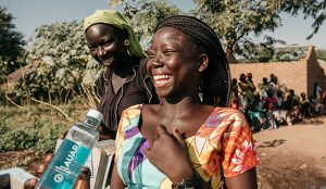 AUARA genera más de 56 millones de litros de agua potable en 17 países en vías de desarrollo