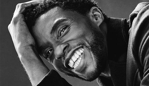 El adiós de Chadwick Boseman se ciñe la corona de tuit con más