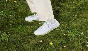 lo hizo maletero Darse prisa  adidas lanza unas zapatillas veganas para ayudar a acabar con los residuos  plásticos   Marketing Directo