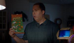Una lámpara de infrarrojos y un gato, protagonistas del nuevo e hilarante anuncio de Cheetos
