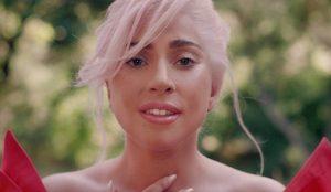 Lady Gaga protagoniza el anuncio del nuevo perfume de Valentino