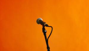 En la era de la fragmentación de medios, ¿deben las marcas renunciar a alcanzar una audiencia masiva?