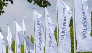 Volkswagen deja de trabajar con un concesionario en México que exhibía una imagen nazi en sus instalaciones