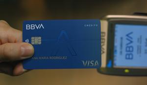 BBVA lanza Aqua: la primera tarjeta sin números impresos y CVV dinámico para hacer tus compras online más seguras