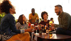La nueva campaña de Magna de San Miguel invita a los cerveceros inquietos a reconquistar su día