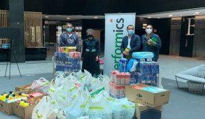 Performics entrega a la asociación Clic Solidario 1000 kilos de productos no perecederos