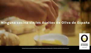 Tactics firma la nueva campaña de Aceites de Oliva de España con el actor José Coronado como protagonista