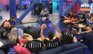 Domino's invita a una noche de pizzas y peli a los concursantes de Top Gamers Academy